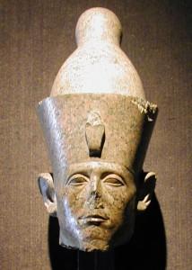 Patung kepala Sensuret III