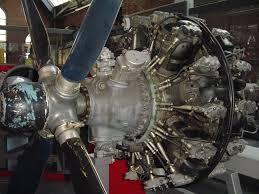 mesin pesawat